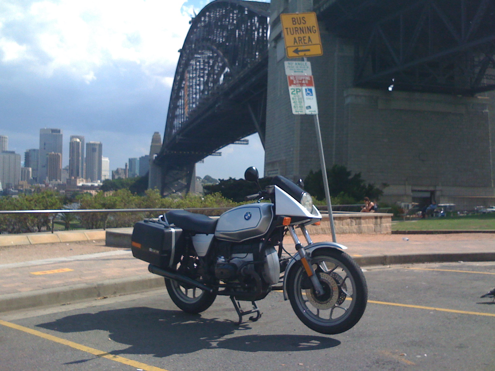 Here the R65LS has the Harbour Bridge in the background. Shows off the triangular pod fairing on the LS nicely.